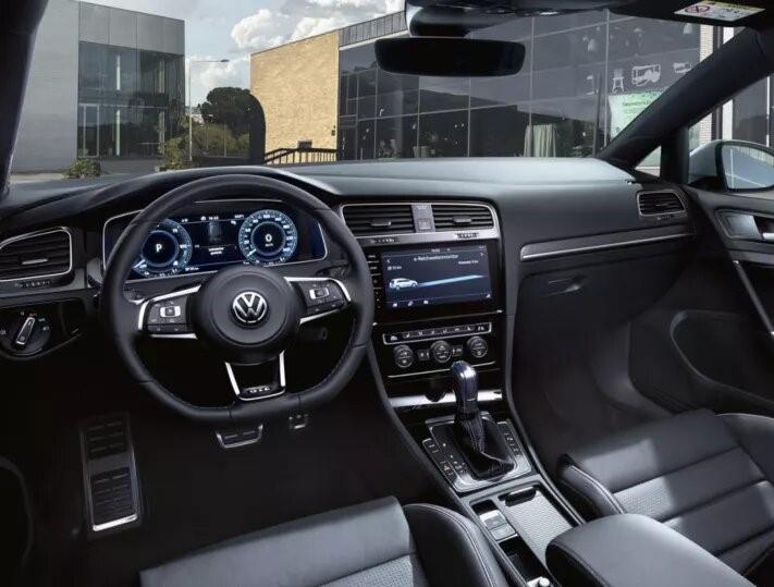 Volkswagen Golf diseño interior