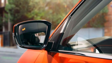Volkswagen T-Cross retrovisor